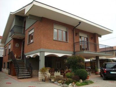 Villa in vendita a Santena in Via Principe Amedeo
