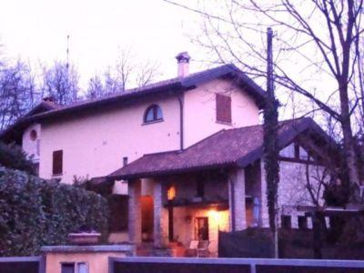 Casa indipendente in vendita a Viggiù in Via Bevera, 40