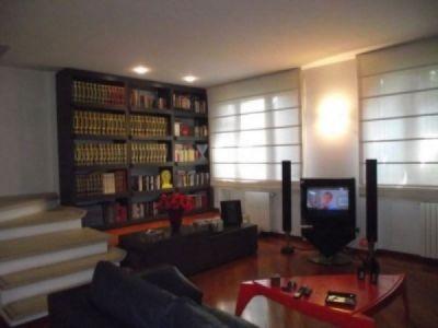 Villa in vendita a Agliana in Via Mallemort De Provence