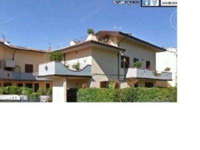 Villa in vendita a Prato in Zona Grignano, 00