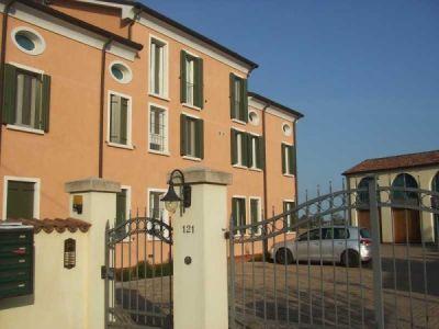Trilocale in vendita a Ferrara in Via Dell'unione