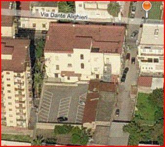 Diviso in ambienti/Locali in affitto a Torre Annunziata in Via Dante Alighieri