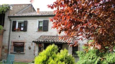 Villa in vendita a Ferrara in Via Del Mare