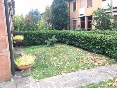 Villa in vendita a Modena in Via Di Villanova