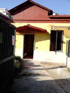 Villa in vendita a Roma in Via Sassonegro