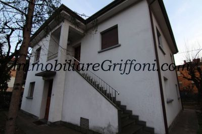 Villa in affitto a Imola