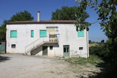 Casa indipendente in vendita a Fermo in Strada Provinciale, 60