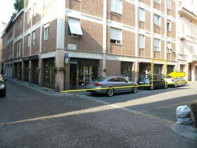 Negozio in affitto a Parma in Borgo Schizzati