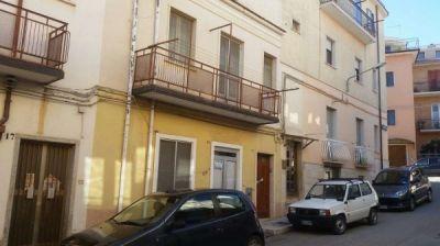 Casa indipendente in vendita a San Giovanni Rotondo in Via Ludovico Ariosto