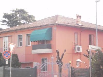 Casa indipendente in vendita a Bologna in Via Toscana