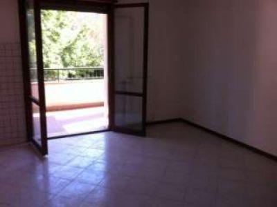 Quadrilocale in affitto a Reggio Emilia in Via Nicola Zingarelli