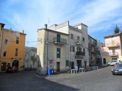 Casa indipendente in vendita a Norma in Piazza Roma