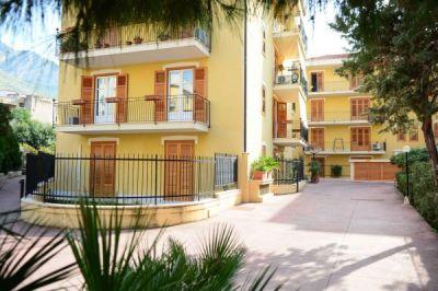 5 locali in vendita a Capaci in Via Risorgimento