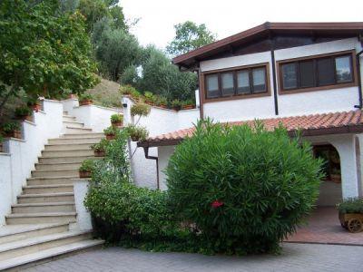 Villa in vendita a Riano in Via Valle Di Ponte Sodo