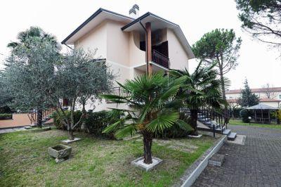 Villa in vendita a Ravenna in Via Ungaretti, 4