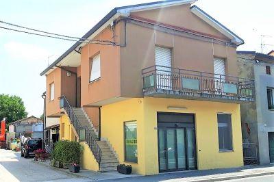 5 locali in vendita a Ravenna in Via Zattoni