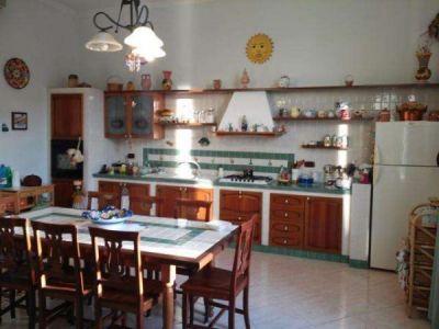 Trilocale in vendita a Torre del Greco in Vicolo Ii Pozzo