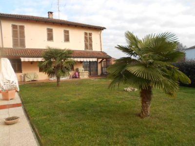 Casa indipendente in vendita a Asti in Strada Regionale, 10