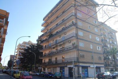 Trilocale in vendita a Foggia in Via Girolamo Calvanese