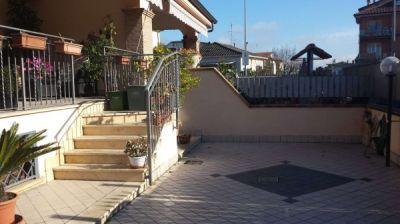 Villa in vendita a Roma in Via Dei Grifi