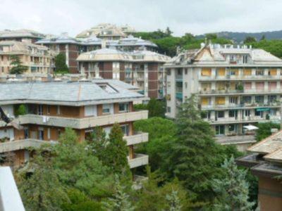 5 locali in vendita a Genova in Via Guglielmo Batt