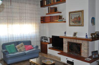 5 locali in vendita a Ancona in Via Del Conero