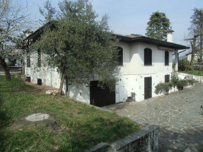 Villa in vendita a Induno Olona in Via Cappelletta
