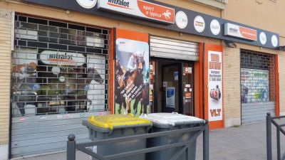 Negozio in affitto a Roma in Via Della Stazione Di Ciampino