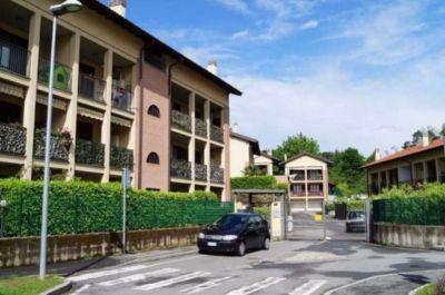 Trilocale in vendita a Vergiate in Via Cavallotti