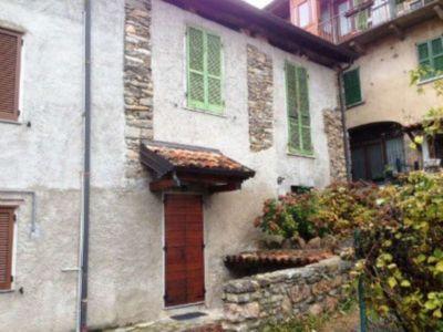 Casa indipendente in vendita a Cuasso al Monte