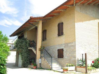 Casa indipendente in vendita a Gubbio in Strada Statale Di Gubbio E Pian D'assino