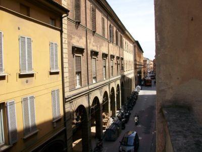 Diviso in ambienti/Locali in affitto a Bologna