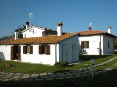 Casa indipendente in vendita a Grosseto in Strada Provinciale Laghi