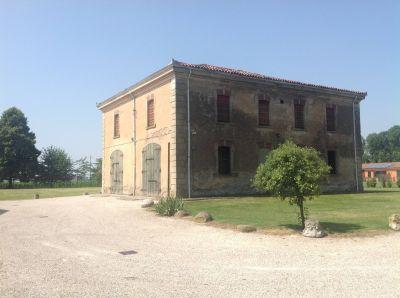 Casa indipendente in vendita a Ferrara in Strada Provinciale, 1