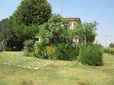 Quadrilocale in affitto a Correggio in Via Sinistra Tresinaro