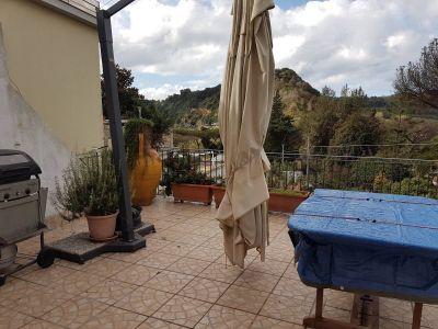 Trilocale in affitto a Pozzuoli in Via Turno