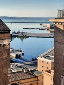 5 locali in vendita a Ancona in Via Magenta