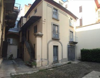 Casa indipendente in vendita a Alessandria in Corso Roma
