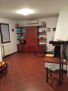 Villa in vendita a Prato in Via 7 Marzo