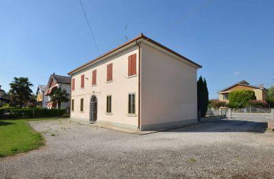 Villa in vendita a Ferrara in Via Antenore Soffritti