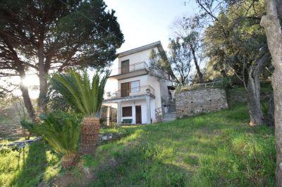 Villa in vendita a Genova in Via Via Gainotti