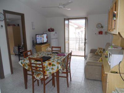 Trilocale in vendita a Roseto Capo Spulico in Via Locri