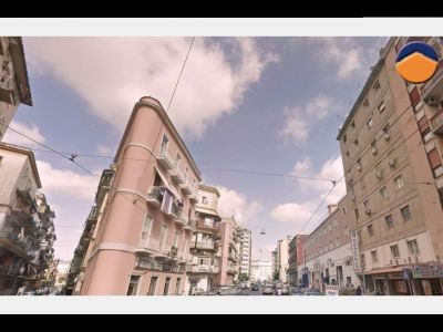 5 locali in vendita a Napoli in Via Carlo Celano