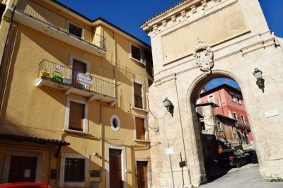 Trilocale in vendita a L'Aquila in Viale Giacomo Caldora