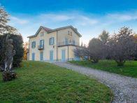 Villa Vendita Erba