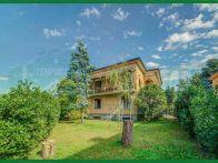 Villa Vendita Varese  Bobbiate, Bosto, Calcinate