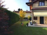 Villa Vendita Uggiate-Trevano