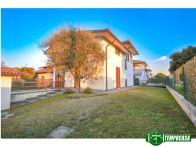 Villa Vendita Carbonate