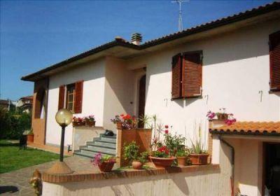 Case indipendenti in vendita a livorno in zona limoncino cerca con - Casa con giardino livorno ...