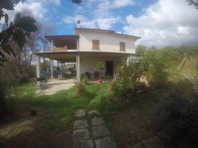 foto Villa Vendita Calvi dell'Umbria